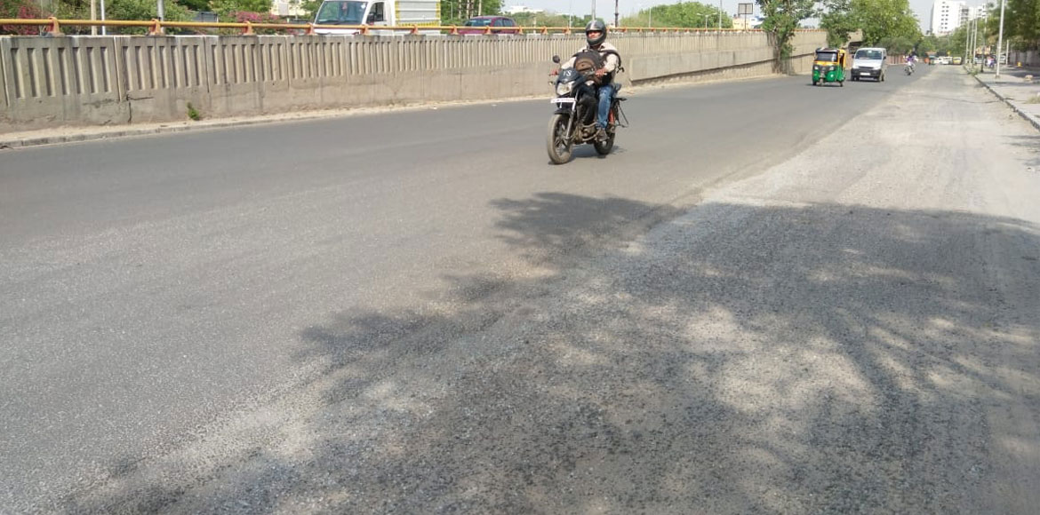 Dwarka: Incomplete road repair work near Sector 6