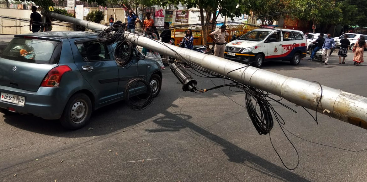 Dwarka: Old, rusty and damaged streetlight poles p