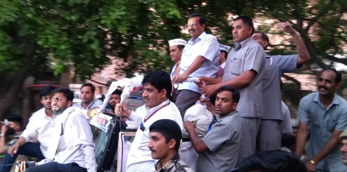 Kejriwal campaigns for West Delhi candidate in Dwa