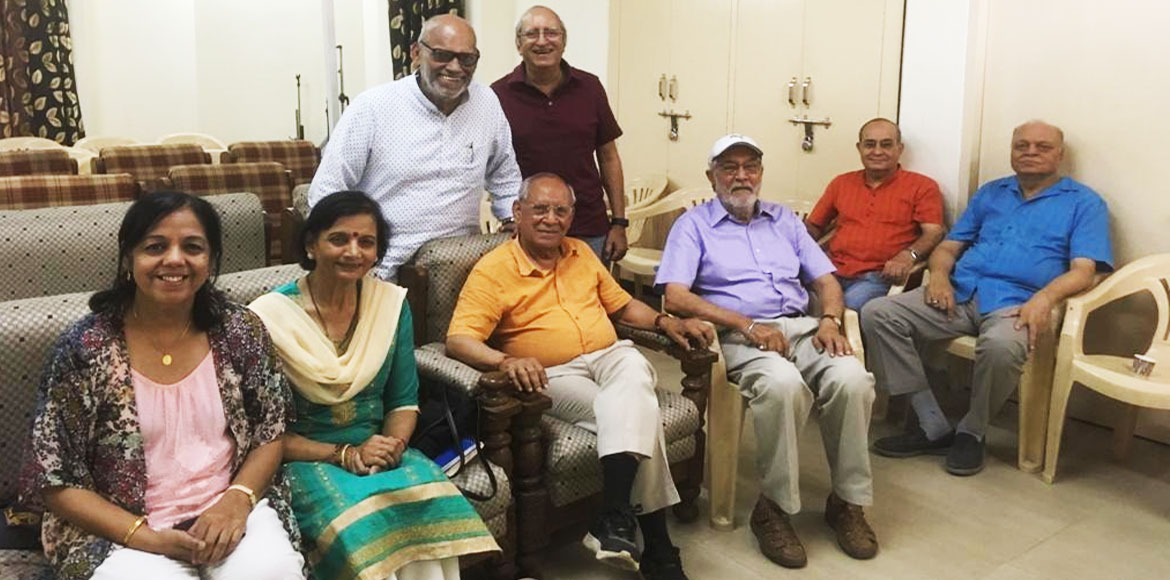 'Book club for all' begins in Noida's Jalvayu Vihar; readers give thumbs up!