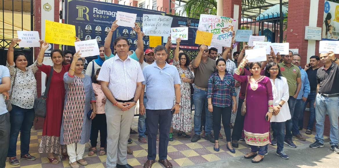 Noida: Parents, ANSPA protest against fee hike at