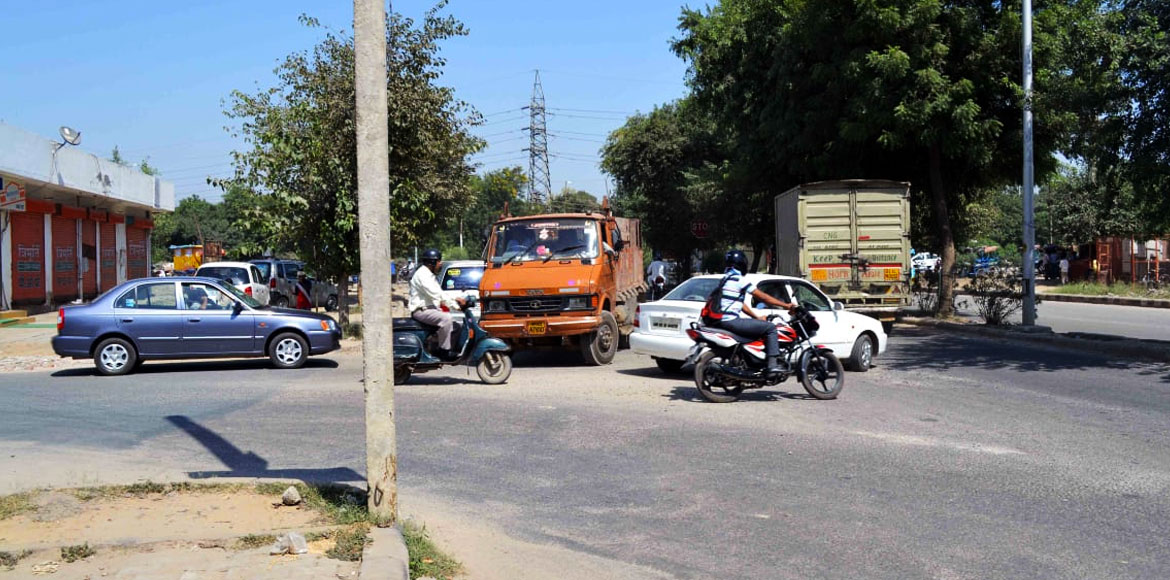 People complain rampant violation of traffic rules