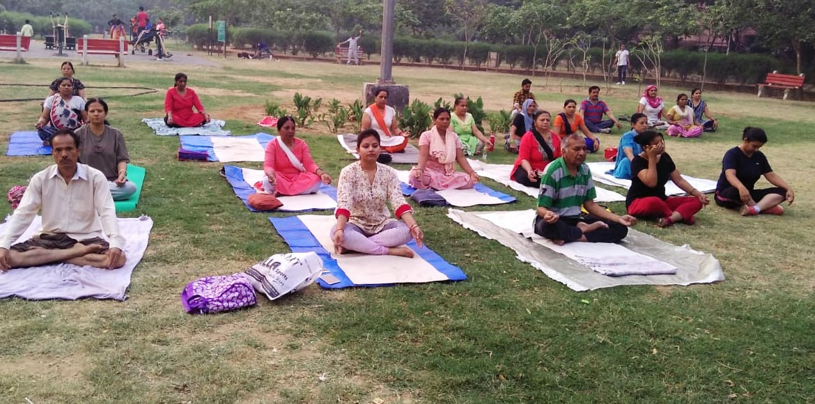 Amid scorching summer, yoga gains popularity among residents across Dwarka