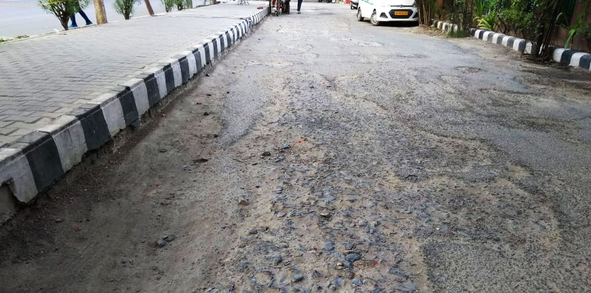 Road in Dwarka's Sec 5 poses severe threat to commuters; DDA pays 'lip service'