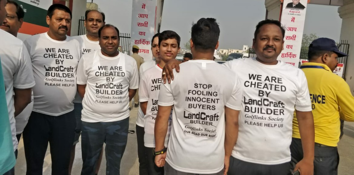 Residents of Golf Links protest against builder over 'promised' stretch