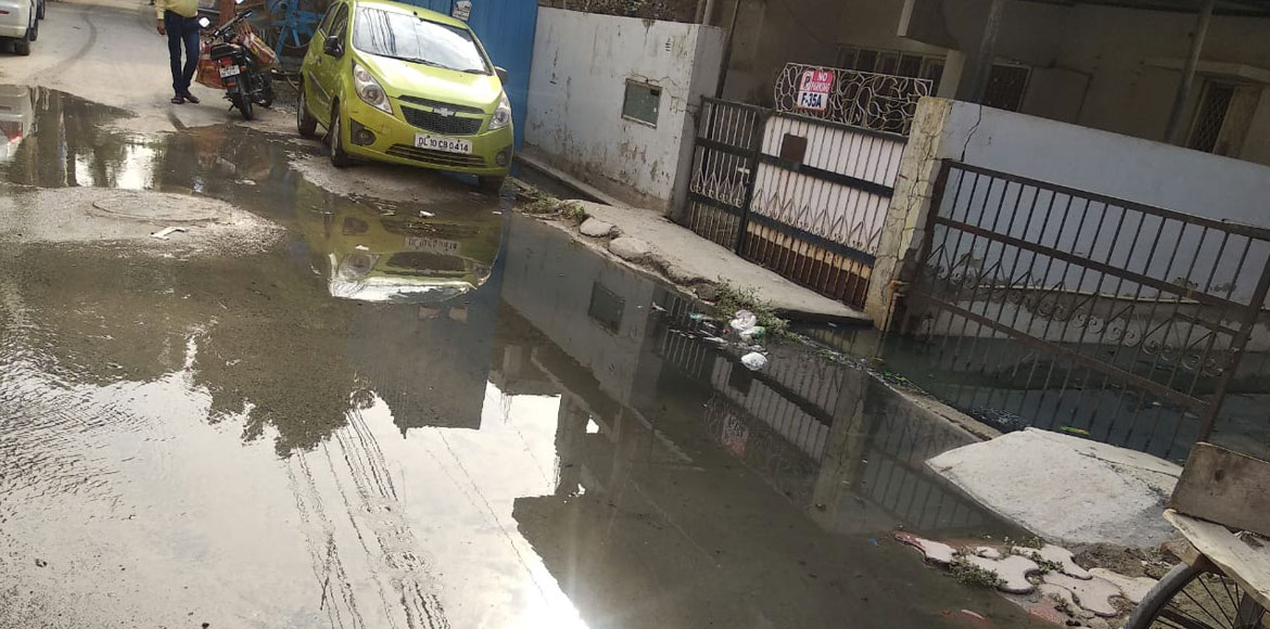 Noida: Sewage overflow long-standing issue at Sec 27, residents demand new line
