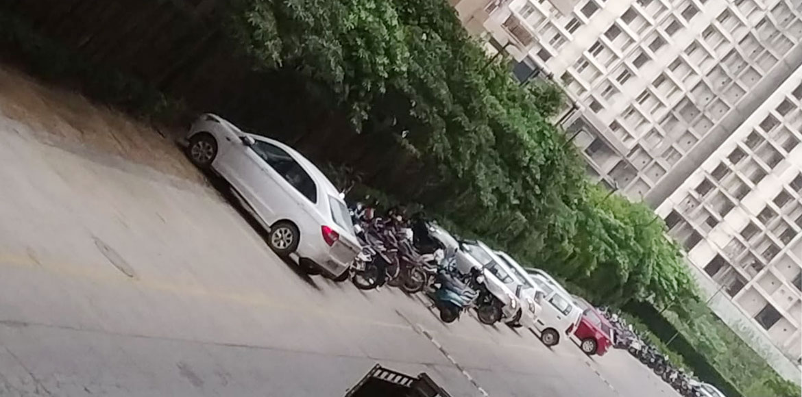Supertech capetown: Noida Authority asks builder to clear parking on green area