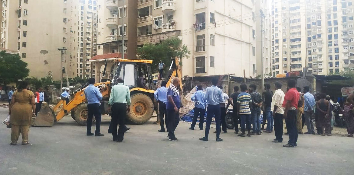 Noida: Princely Estate residents demand clearance of illegal encroachment