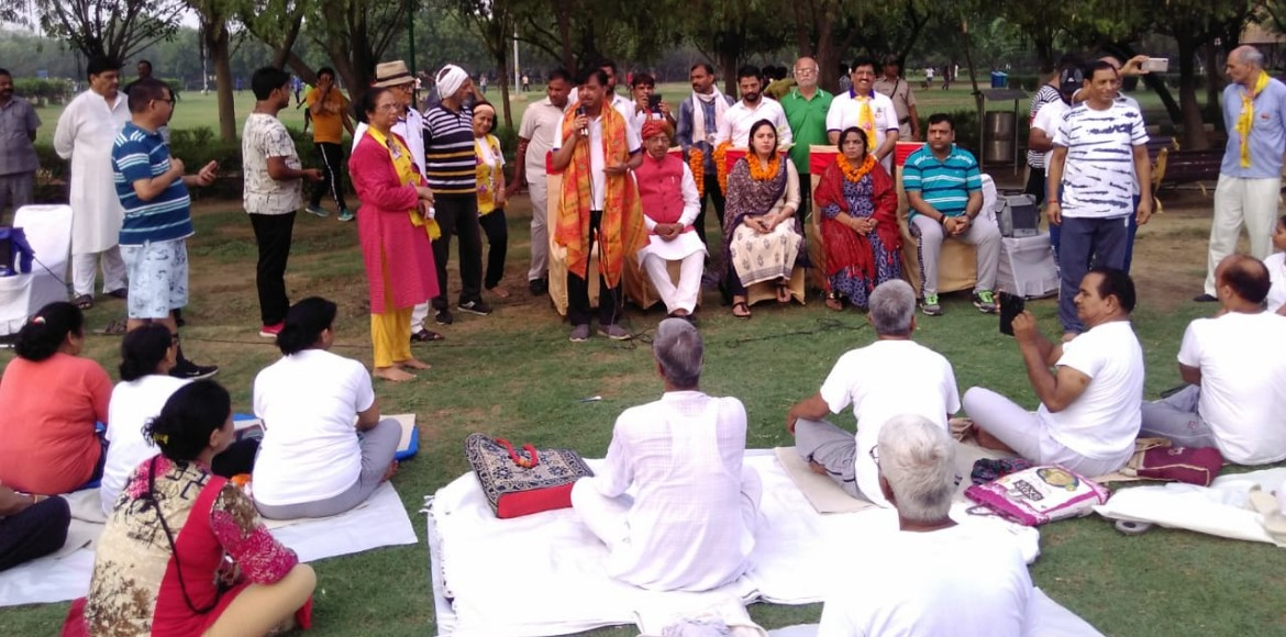 Dwarka: MP Vijay Goel reaches out to people to lis