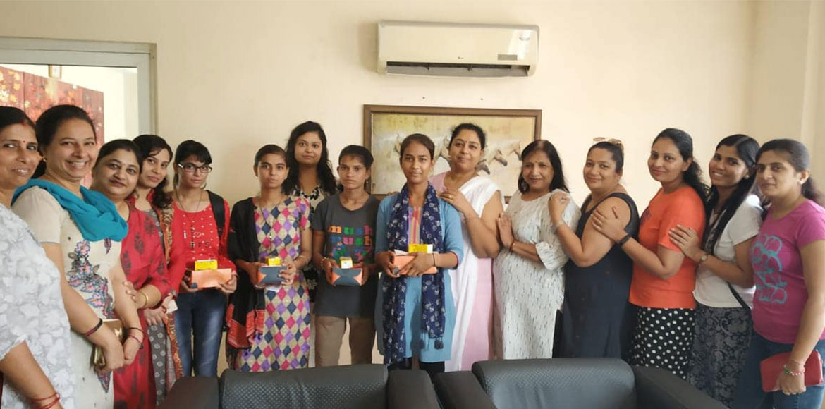 Rajnagar Extn: Service Staff's kids rewarded by Ashiana Ladies Club