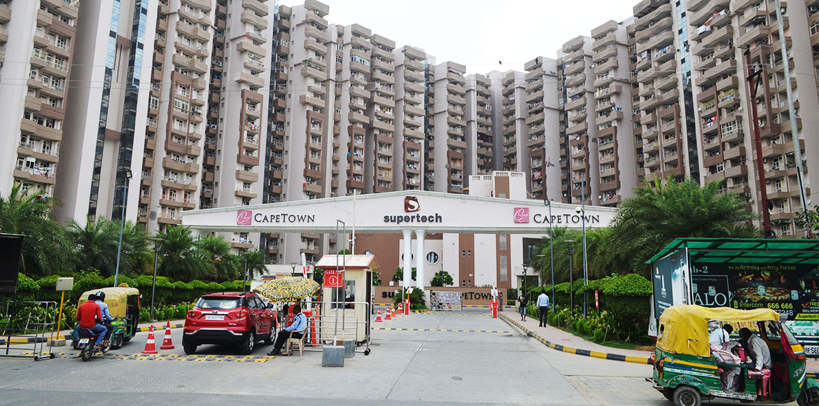 Noida: Supertech Capetown charging extra amount for electricity supply