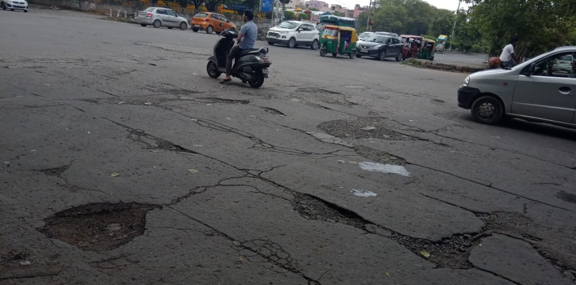 Dwarka: Commuters find tough to negotiate broken surface near two signals