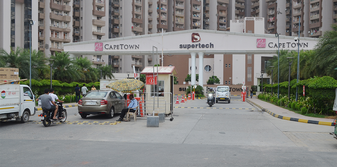 Noida: Residents of Supertech Capetown forced to l