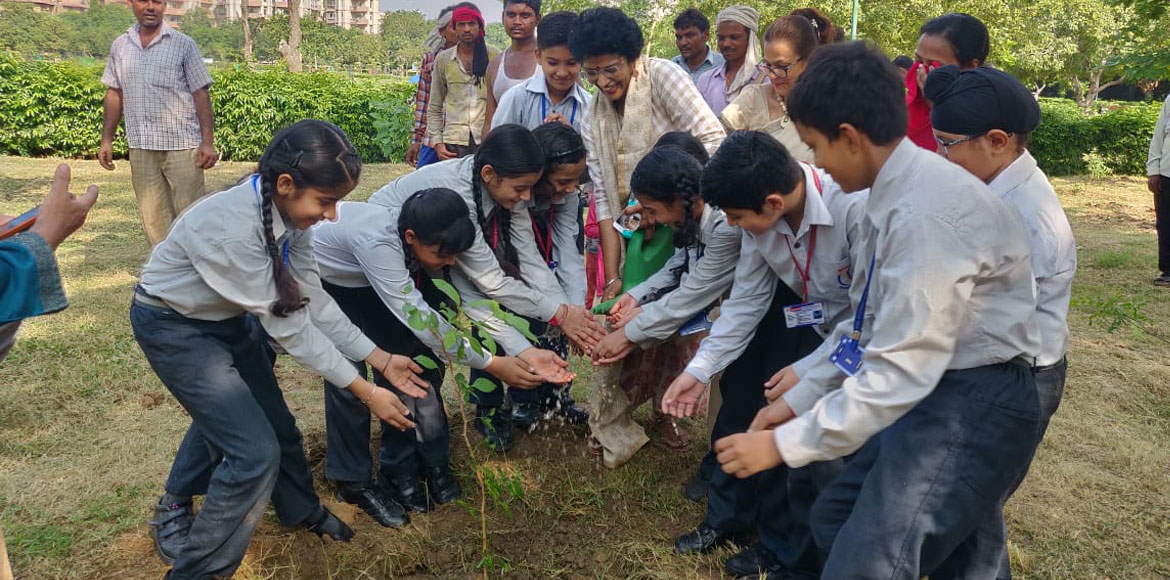 Dwarka: Community members, NGO, Schools participate in plantation drive