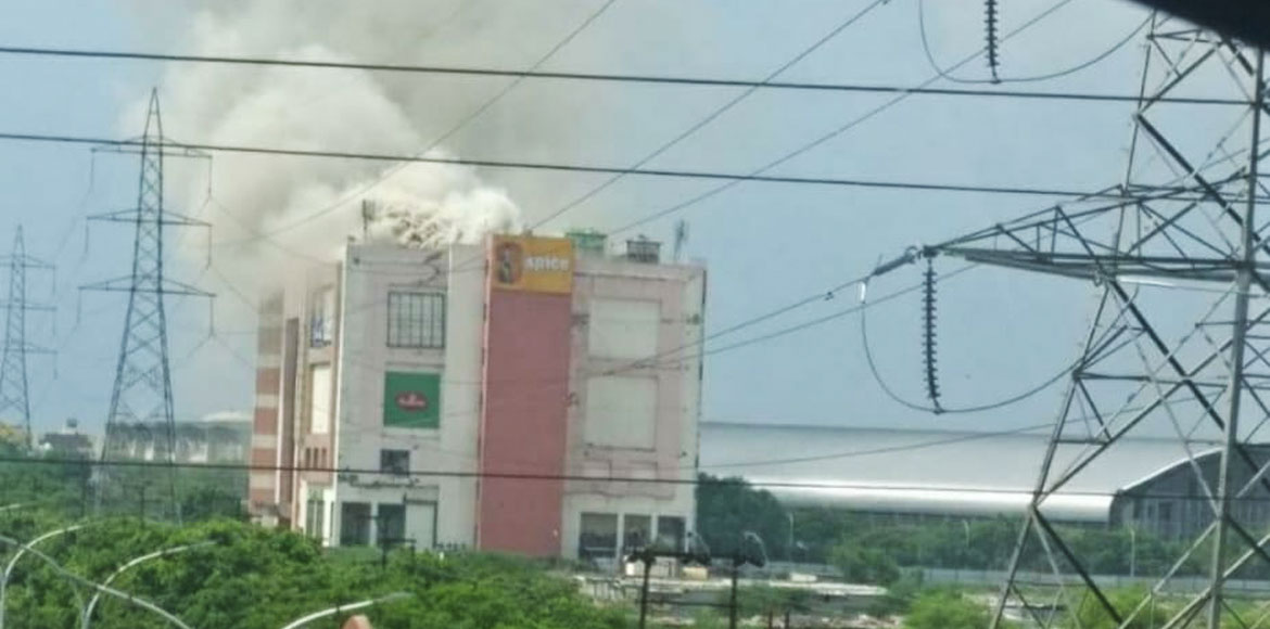 Massive fire breaks out in Noida's Spice Mall, all