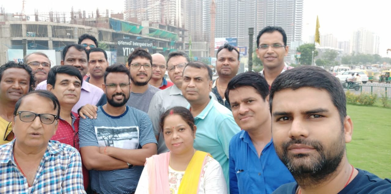 GreNo: Amrapali Dream Valley homebuyers meet to di