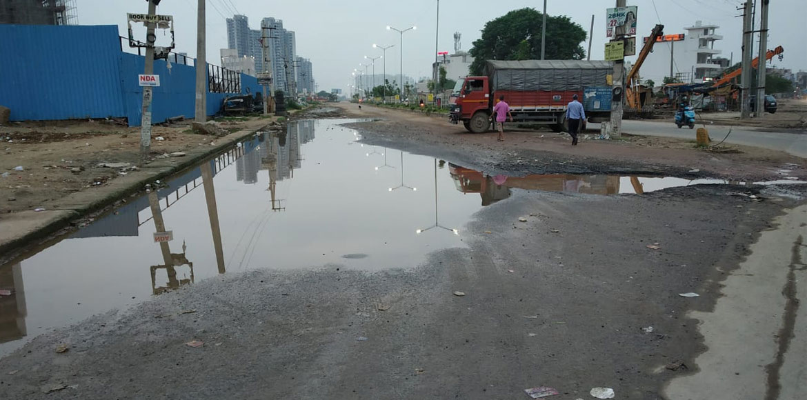 Deadly potholes greet Gurgaon Sector 37 residents, everyday