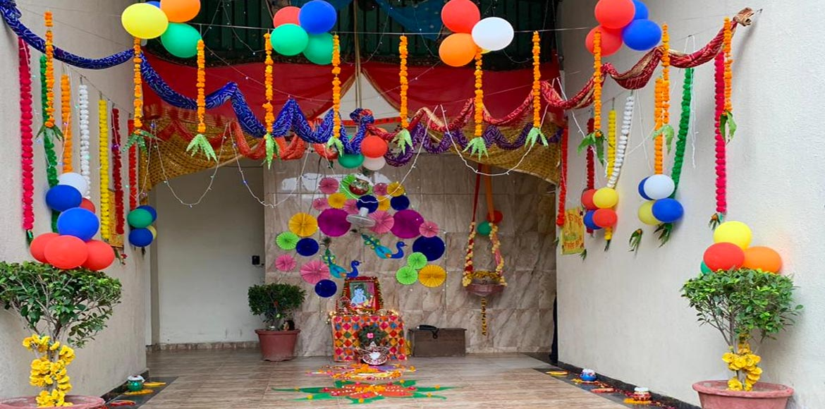Indirapuram: Saya Zenith beautifully draped in festivity of Janamasthami