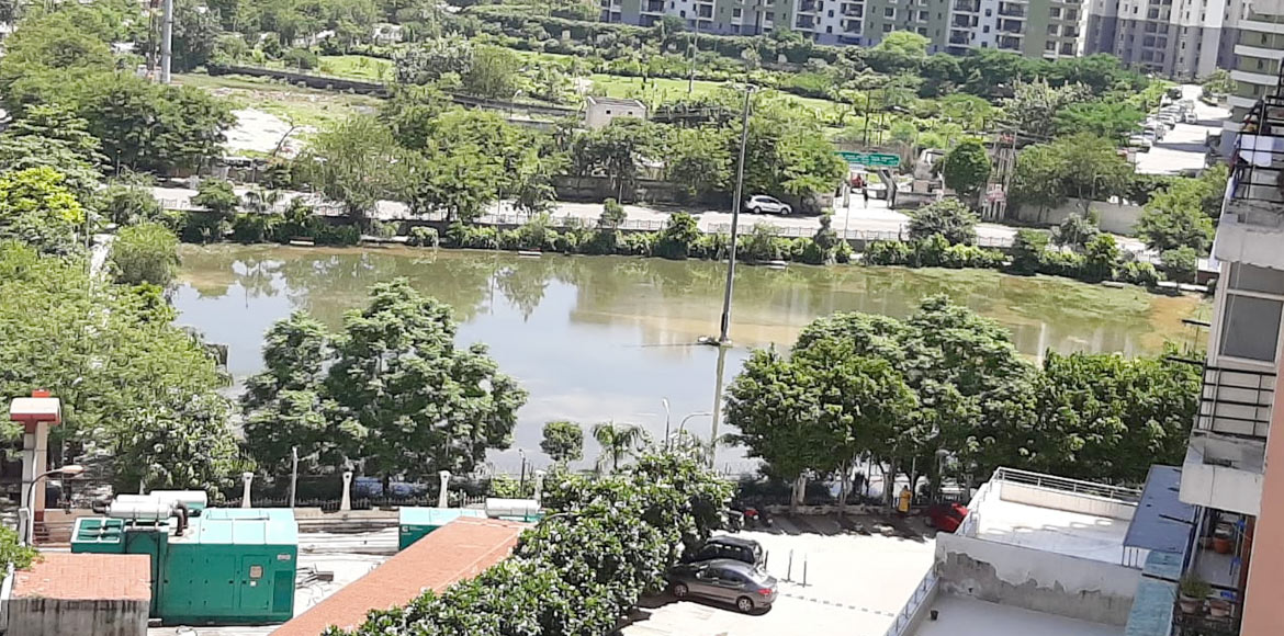 Noida: Eldeco Aamantran residents worried by water