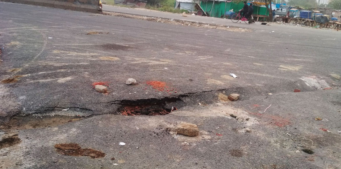 Noida: Road between sector 76 and 78 caves-in