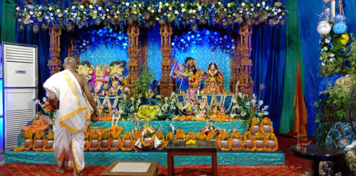Gurugram residents celebrate Janmashtami with traditional fervour