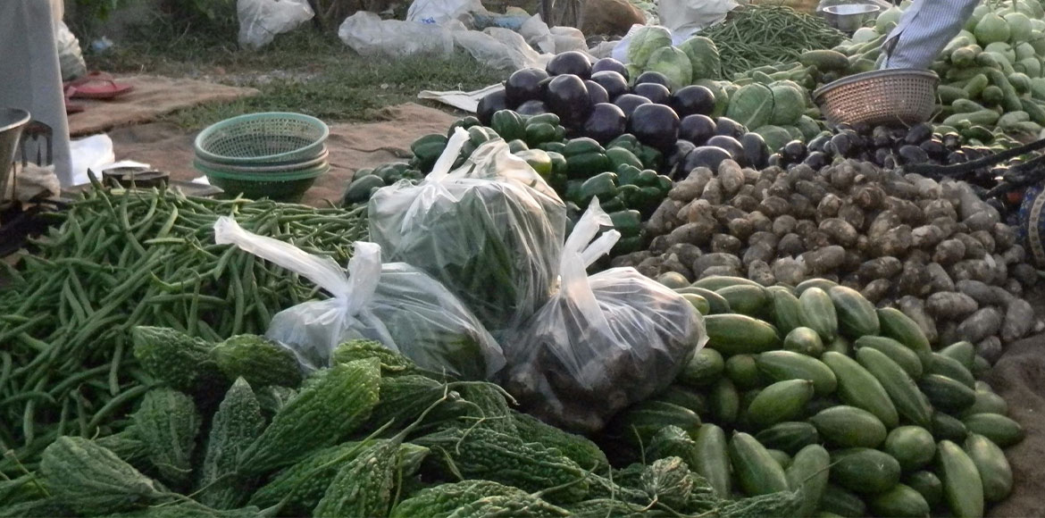 Dwarka: SDMC's ban on plastic bags, Herculean task to impose in weekly markets