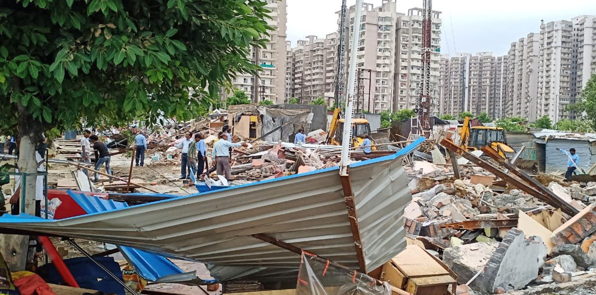 Noida Authority demolishes illegal shops in several sectors