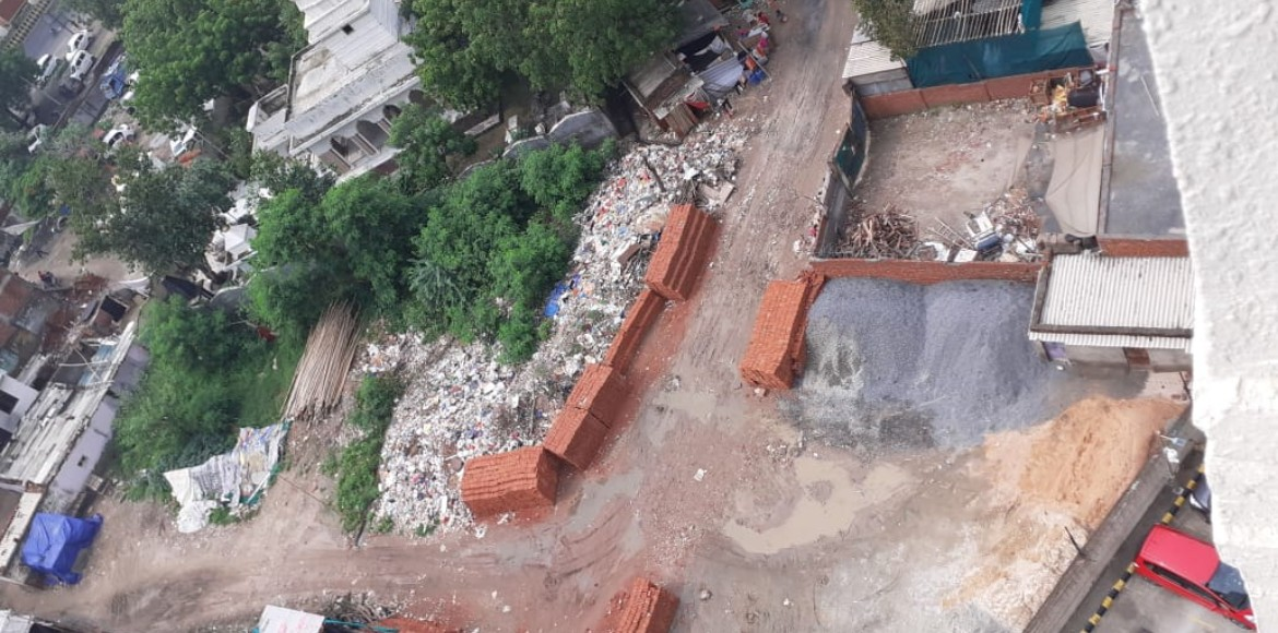 Noida: Antriksh Nature residents complain against piled up garbage
