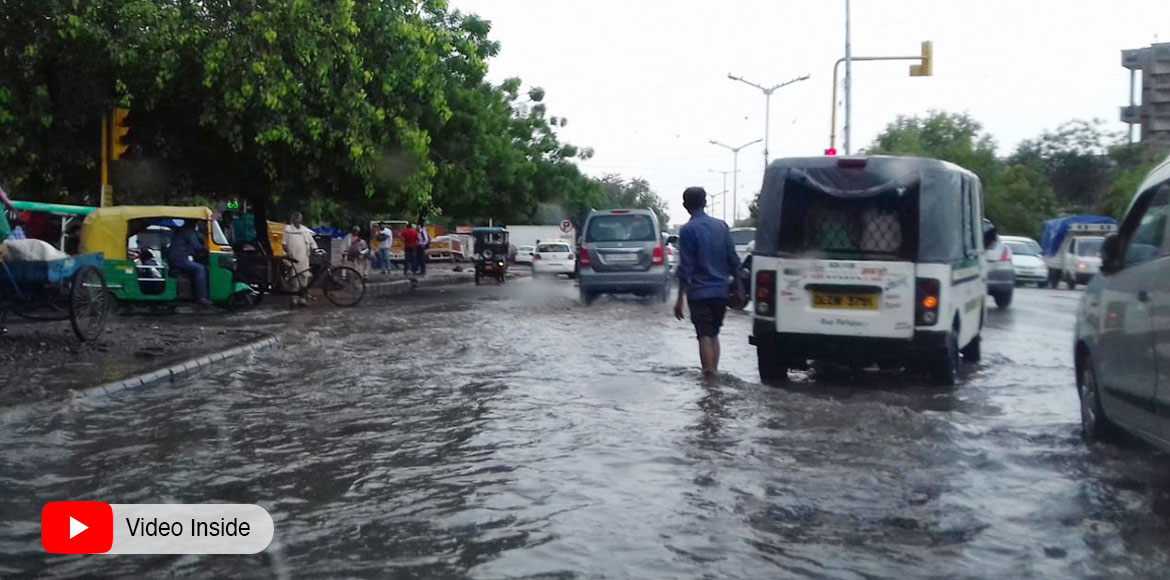 Saturday rains throw life out of gear in Dwarka