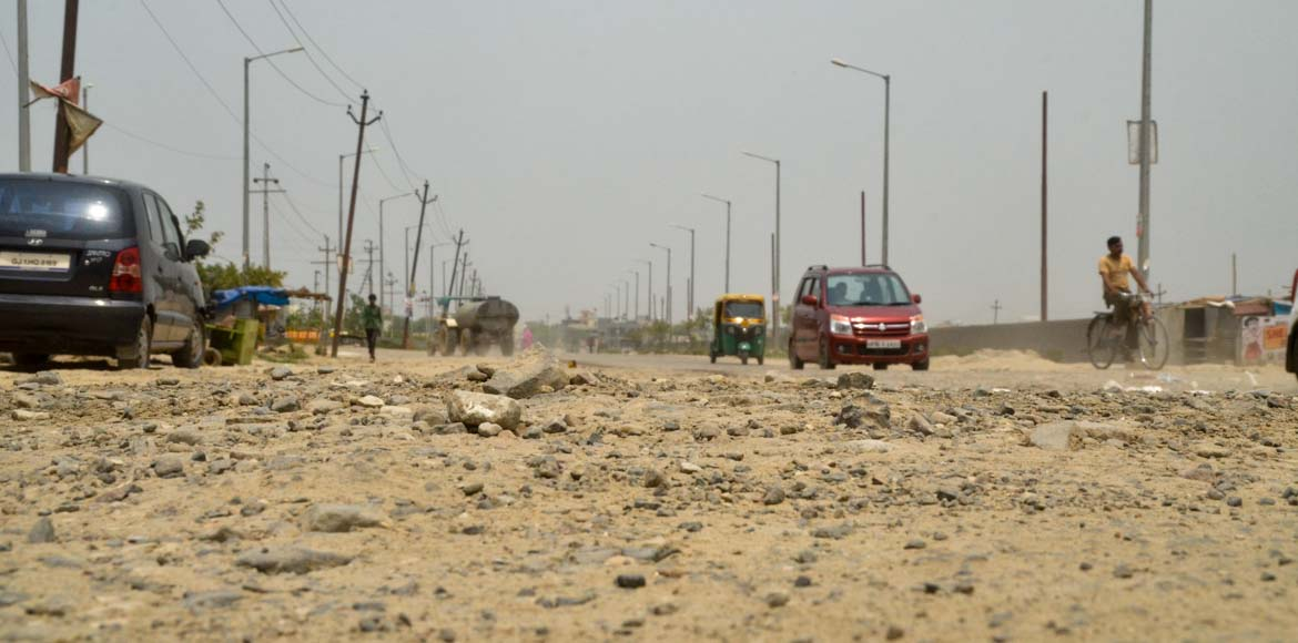 200 dilapidated roads in Greater Noida to get face