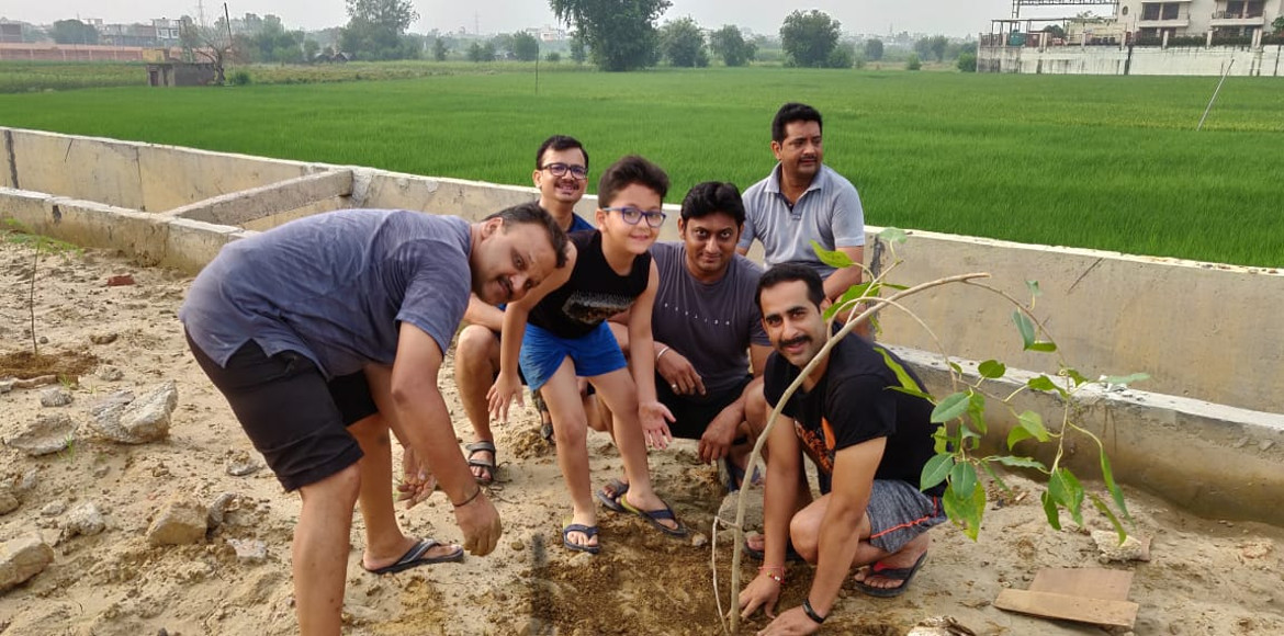 Ajnara Integrity residents plant saplings to boost