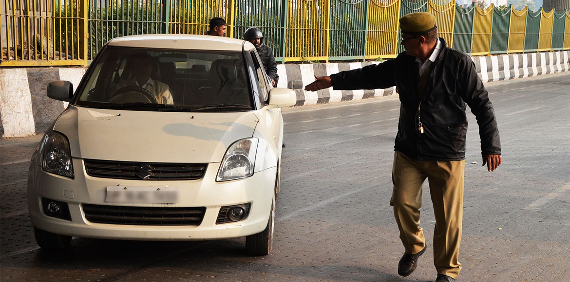 UP traffic police asked not to stop vehicles just to check papers