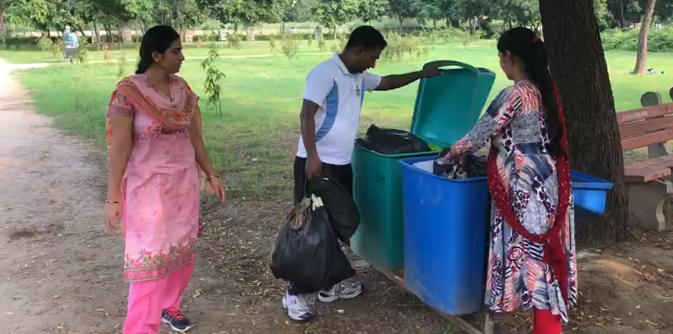 Dwarka: Community people carryout cleaning drive