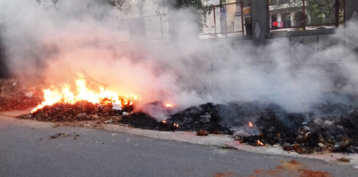 Greater Noida: Garbage burning reported from Cherry County