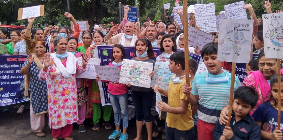 On day two, protest against dumping site reaches SDMC LoH's doors