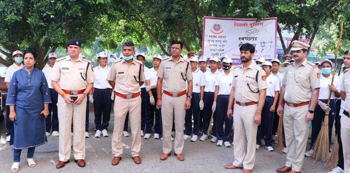 Wielding broom, cops in Dwarka set off on mission cleanliness