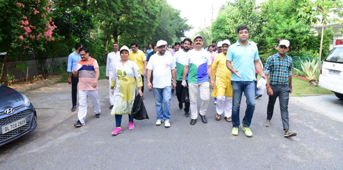 Noida authority to launch drive to make city plast