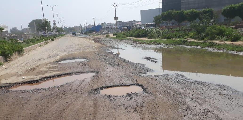 Gurugram: Roads in Sector 37 C, D await urgent att