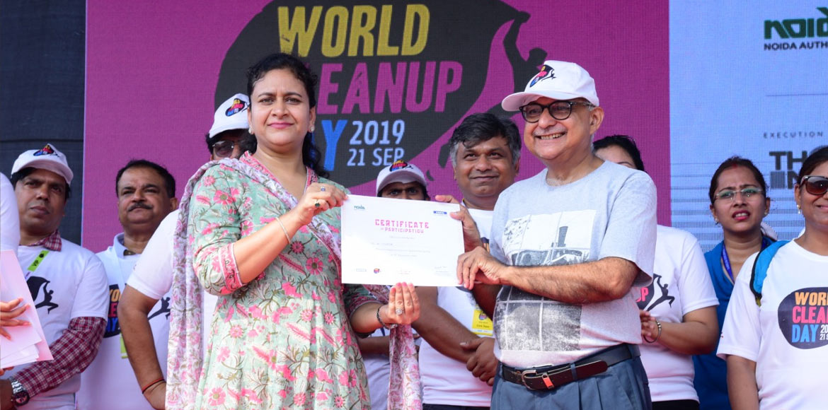 Plogging drive marks World Cleanup Day in Noida