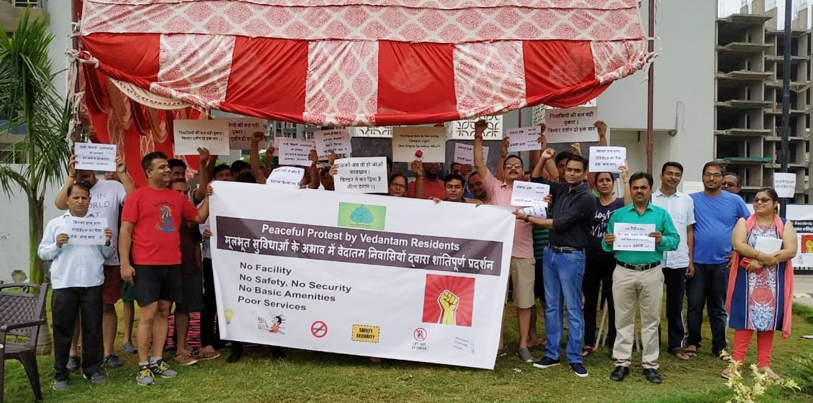 GreNo: Radicon Vedantam residents staged protest for basic facilities
