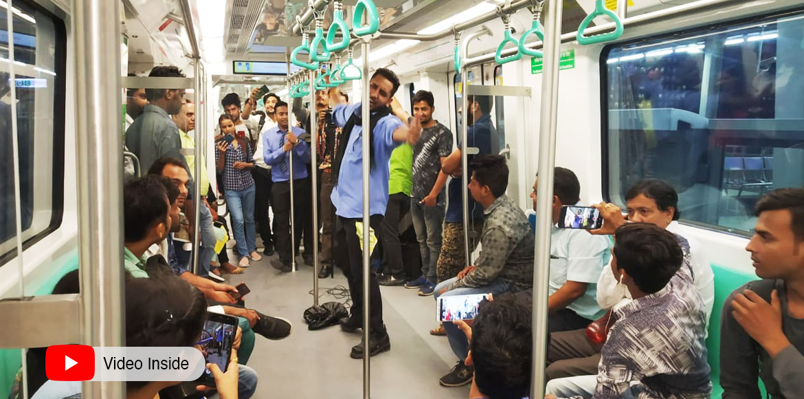 Noida Authority holds 'Nukkad Natak' in metro to d