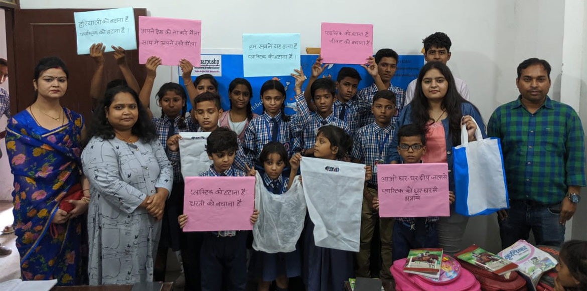 Workshop to educate kids on ill-effects of plastic conducted at GreNo West