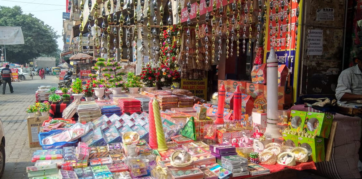 Dwarka markets adapt to change in prefereneces of Diwali shoppers