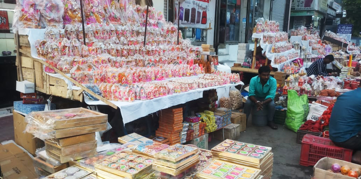 Markets all decked up with range of options for Diwali celebrations