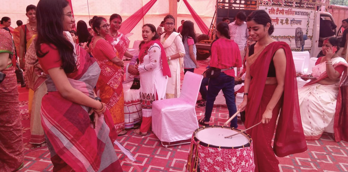 PHOTO KATHA: Catch glimpses of Durga Puja celebrations in Dwarka