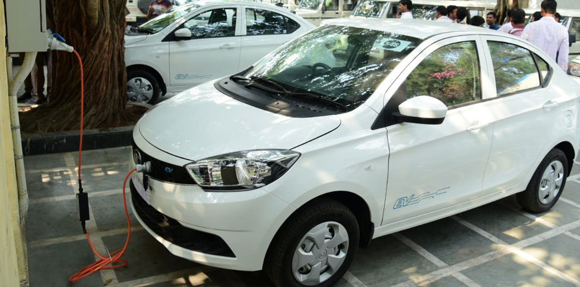 To promote clean air, Noida Authority hires electric cars for office use