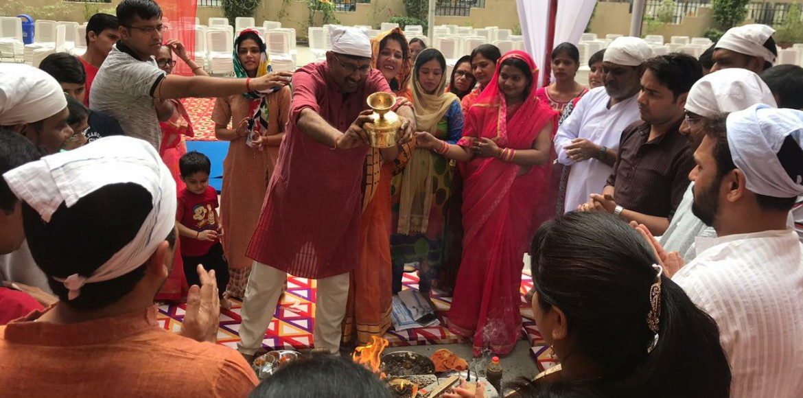 PHOTO KATHA:  Navratri gets off to a fiery start at La Residentia