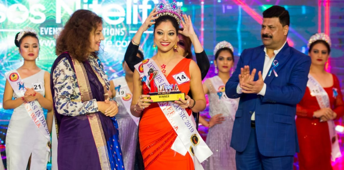 41-year-old from Antariksh Greens crowned Mrs. India