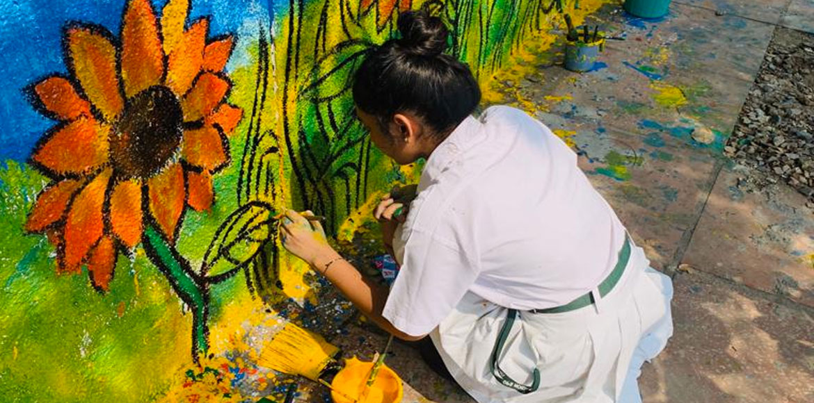 Noida walls become school children's canvas