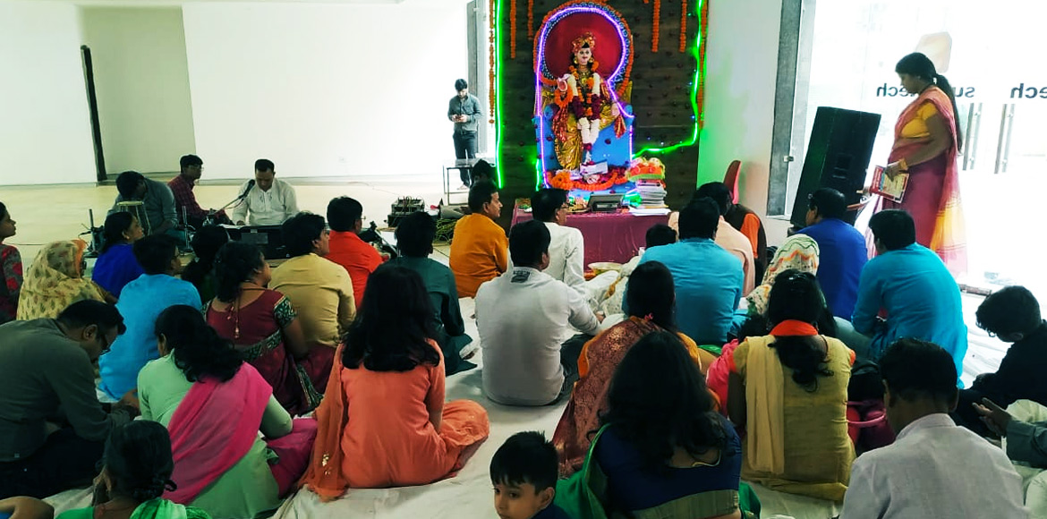 Residents of many high rises offer prayers to Lord Chitragupt